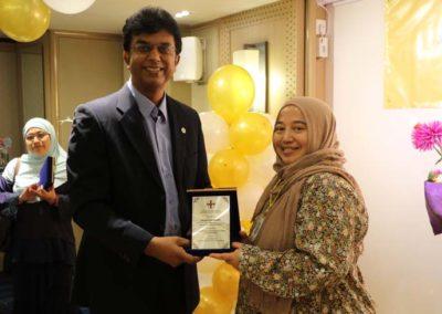 24. Token of appreciation to Dr Nurul (faculty since 2014)
